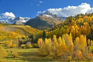 Pros and cons of living in colorado